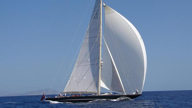 shamrock-v-is-an-example-of-classic-sailing-yachts-sold-in-2016