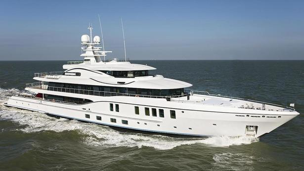 amels-super-yacht-plvs-vltra-is-one-of-11-yachts-over-65-metres-heading-to-monaco-yacht-show-2016