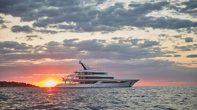 feadship-yacht-joy-was-built-for-a-first-time-buyer