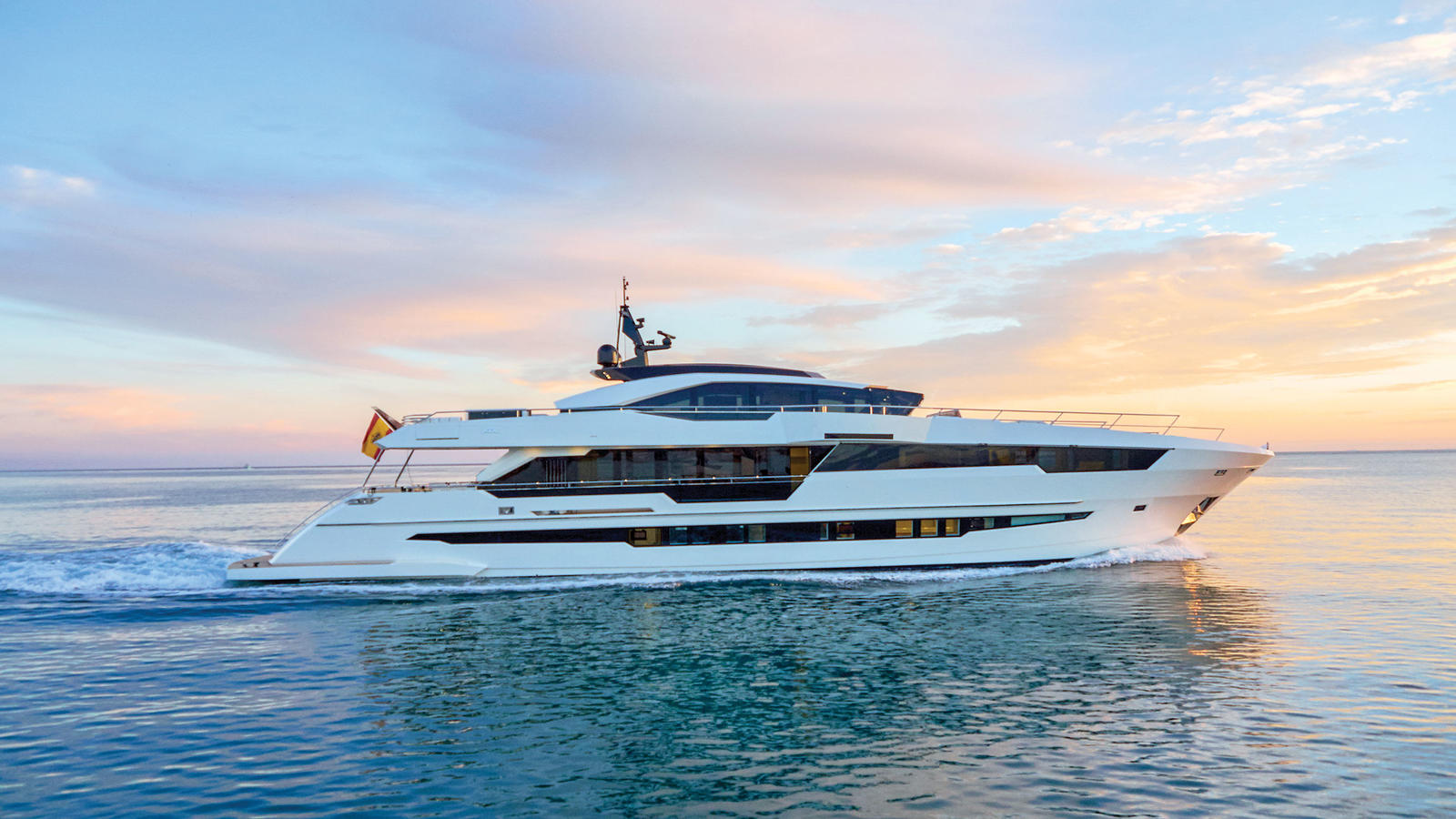5 MUST-SEE NEW SUPER YACHTS AT THE FORT LAUDERDALE BOAT SHOW